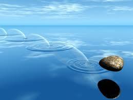 piedra en agua